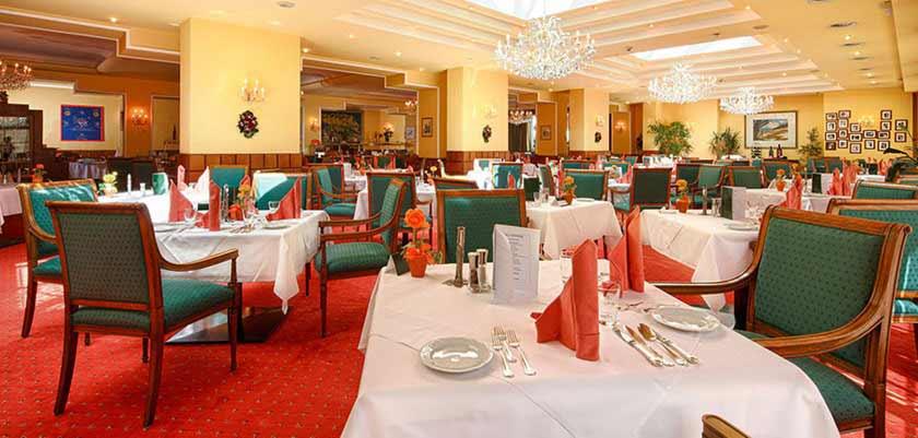 Hotel Post, St. Anton, Austria - restaurant.jpg